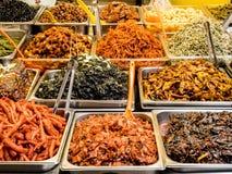 Tradycyjny koreańczyk fermentujący jedzenie przy Gwangjang rynkiem Seul, Południowy Korea fotografia royalty free