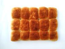Tradycyjny kwadratowy bochenek chleb odizolowywa na białym tle t?o chleba odosobniony biel obraz stock