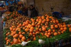 Tradycyjny marokańczyka rynku souk w fezie, Maroko Fotografia Royalty Free
