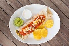 Tradycyjny meksykański tortilla opakunek na talerzu zdjęcie stock