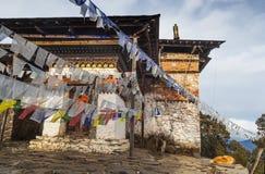 Tradycyjny modlitewny Tybetański buddysta zaznacza płuco Ta w Phajodi obraz royalty free