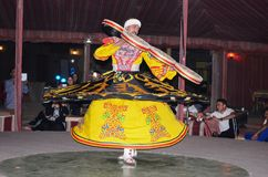Tradycyjny muzułmański derwisz ulicy tancerz fotografia royalty free