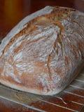 Tradycyjny nieociosany chleb z skorupą Obraz Royalty Free