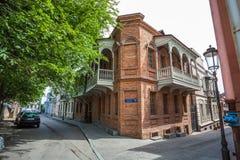 Tradycyjny stary balkon dom w Tbilisi Gruzja 07 05 2017 Zdjęcia Royalty Free
