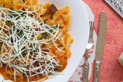 Tradycyjny Sycylijski naczynie: makaronu alla Norma Zdjęcie Royalty Free