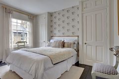 tradycyjny sypialnia wystrój Zdjęcia Royalty Free