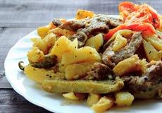 Tradycyjny Tatar jedzenie - azu Na białym talerzu Obrazy Royalty Free