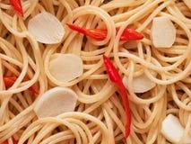 Tradycyjny włoski aglio olio spaghetti makaronu jedzenia tło Obrazy Royalty Free