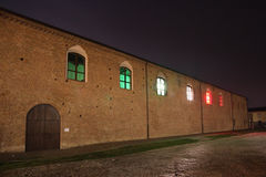 Tradycyjny Włoski jawny budynek z okno zaświecał w włoszczyźnie Fotografia Royalty Free