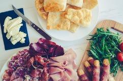 Tradycyjny Włoski zakąski crescentine fritte obraz royalty free