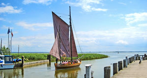 Tradycyjny Zeesboat, port Niehagen, Ahrenshoop Fotografia Royalty Free