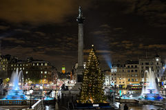 Trafalgar ajustent, Londres, Angleterre, R-U, la nuit Photo libre de droits
