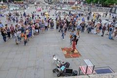 Trafalgar kwadrat, Londyn, UK - Lipiec 21, 2017: Uliczny wykonawca Zdjęcie Royalty Free