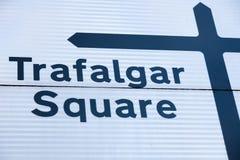Trafalgar-Platz-Verkehrsschild stockfotografie