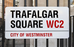 Trafalgar Square assina dentro Londres fotos de stock royalty free