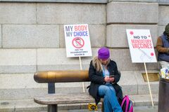 Free TRAFALGAR SQUARE, LONDON/ENGLAND- 26 September 2020: Protester At The `We Do Not Consent` Rally Stock Photos - 197408453