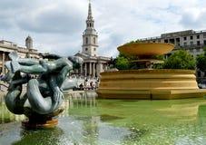 Trafalgar Square springbrunn i London Royaltyfri Fotografi