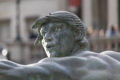 Trafalgar Square springbrunnnärbild av en sjöjungfru royaltyfri fotografi