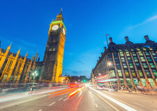 Traffic lights in the night under Big Ben - London Royalty Free Stock Photos