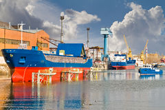 Traffic in shipyard. Royalty Free Stock Photos
