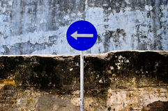 Traffic sign turns to the  left Royalty Free Stock Photography