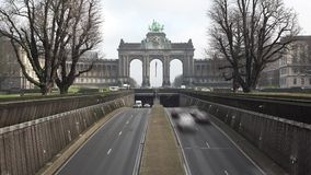 Traffic under the Triumphal Arch in Parc du Cinquantenaire, timelapse