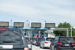 Traffic at US/Canada border crossing Stock Photo