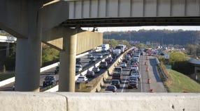 Traffichi la fermata su I-75 attraverso Dayton, OH Immagini Stock Libere da Diritti