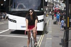 Traffichi la scena al circo di Piccadilly - Londra, Inghilterra Immagine Stock