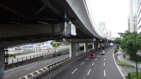 Traffichi la strada alla città di Kobe a Kobe, Giappone stock footage