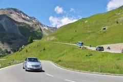 Traffichi sull'alta strada alpina del Grossglockner Immagini Stock Libere da Diritti