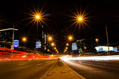 Traffico alla notte Immagini Stock