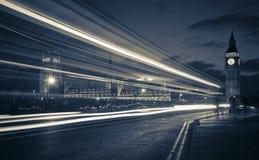 Traffico attraverso Londra Immagine Stock