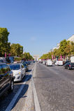 Traffico in Champs-Elysees Immagini Stock