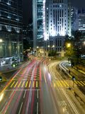 Traffico in città moderna alla notte Fotografia Stock