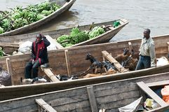 Traffico commerciale lungo il lago Kivu Fotografie Stock