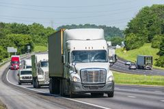 Traffico da uno stato all'altro di estate pesante Immagine Stock Libera da Diritti