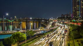 Traffico del ponte stradale della città di Seoul stock footage