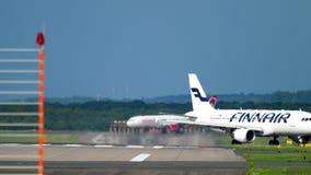 Traffico dell'aeroporto di Dusseldorf archivi video