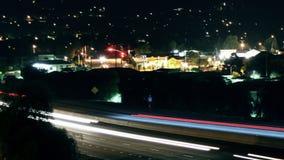 Traffico dell'autostrada senza pedaggio della città al rallentatore video d archivio
