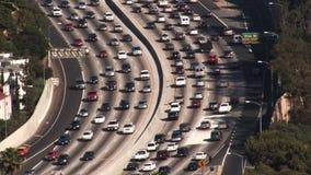 Traffico dell'autostrada senza pedaggio di Los Angeles 101 (HD) stock footage