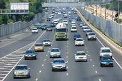 Traffico dell'autostrada senza pedaggio. Tel Aviv, Israele. Fotografie Stock