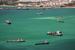 Traffico della baia del porto della Gibilterra Fotografia Stock