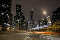 Traffico di città alla notte Fotografie Stock Libere da Diritti