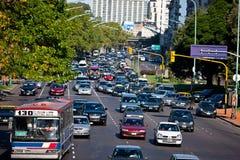 Traffico di giorno occupato Buenos Aires Fotografia Stock