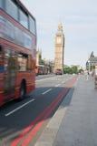 Traffico di Londra e del grande Ben Fotografie Stock Libere da Diritti