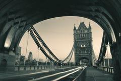 Traffico di mattina del ponte della torre Fotografie Stock