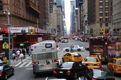 Traffico di New York e blocchetto di strada della polizia Fotografia Stock Libera da Diritti