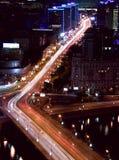 Traffico di notte della città di Mosca immagini stock libere da diritti