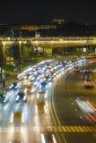 Traffico di notte a Mosca fotografia stock libera da diritti